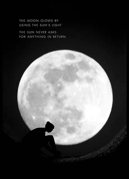 The Moon Glows Poster in der Gruppe Poster / Mindfulness bei Desenio AB (10013)