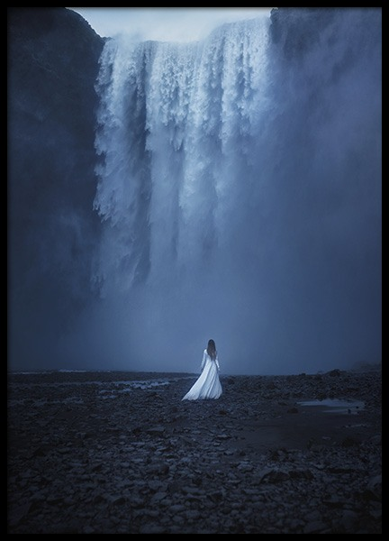 Woman by the Waterfall Poster in de groep Posters / Natuurmotieven bij Desenio AB (10978)
