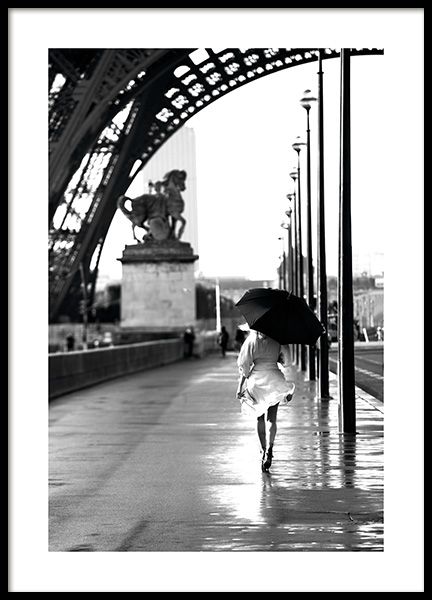 Walking in Paris Poster in der Gruppe Studio Collections / Studio Cosmopolitan bei Desenio AB (11331)